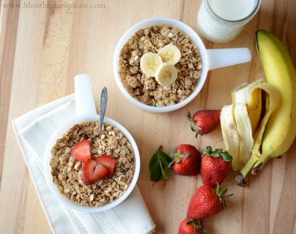 clean-and-healthy-granola-600x474